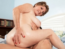 69-year-old Bea shags 25-year-old Johnny