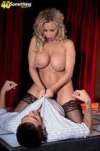 Busty Mom I'D LIKE TO FUCK gogo dancer Amber Lynn suggests extras