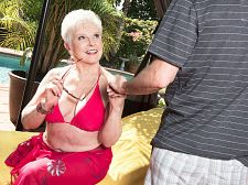 The swimsuit GILF and the 34-year-old