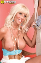 Stormy Lynne likes to be observed...so check out her!