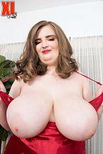 XL Girl Sylvia Bateman: Hawt, Juvenile & Thick